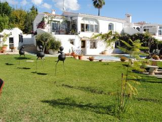 NV.JAZ10: Villa with private pool for sale in El Capistrano Village.