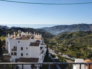 NV.FRIGILIANA: Villa for sale in NERJA VILLAS CAPISTRANO.